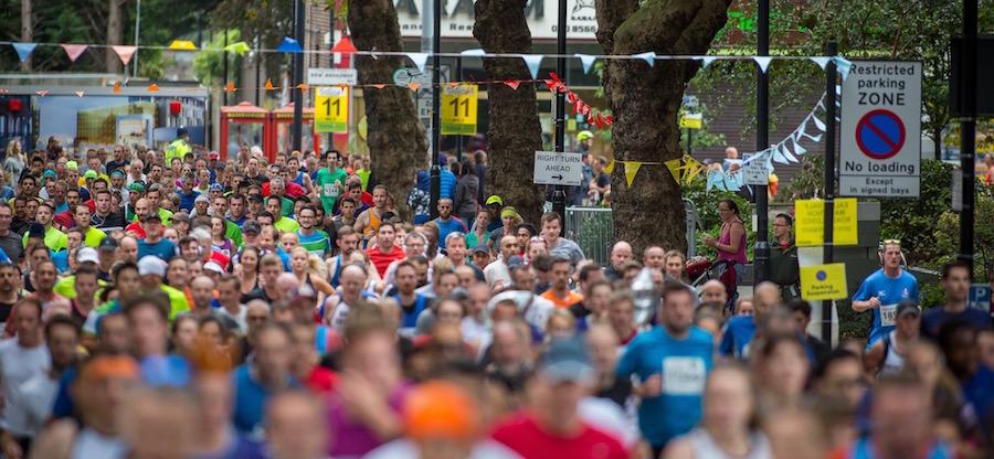 half_marathon_runners_900x416