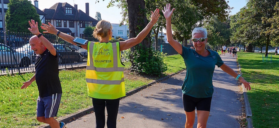 parkrun marketing_high 5_autumn_900x416 (1)