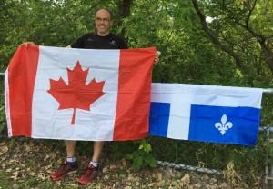 Gregory avec les drapeaux