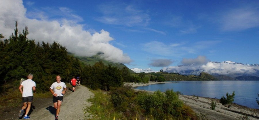 wanaka runners and view