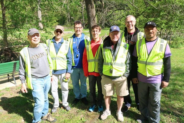 leakinpark_20190427_volunteers_web