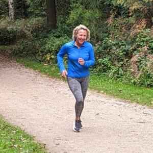 parkrun single female runner