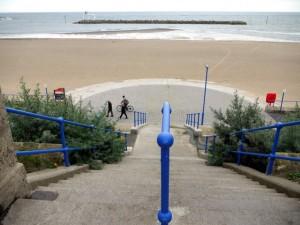 The_Horseshoe_Steps,_Newbiggin_by_the_Sea_promenade_-_geograph.org.uk_-_1458337