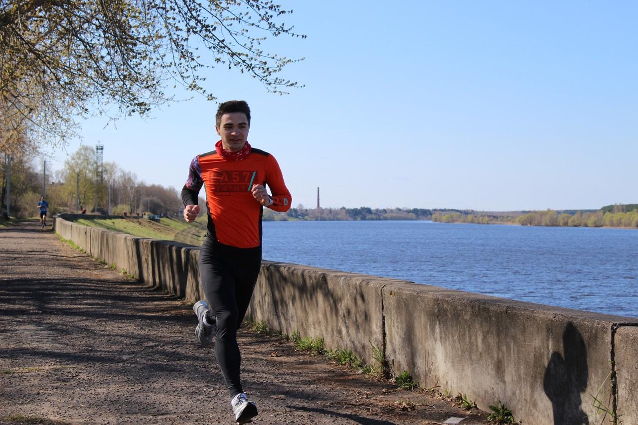 Валерий Щербаков стремительно несётся к своему рекорду.