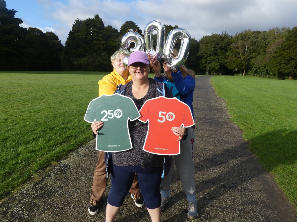 Congratulations on your 300th parkrun walk Janette (ED)
