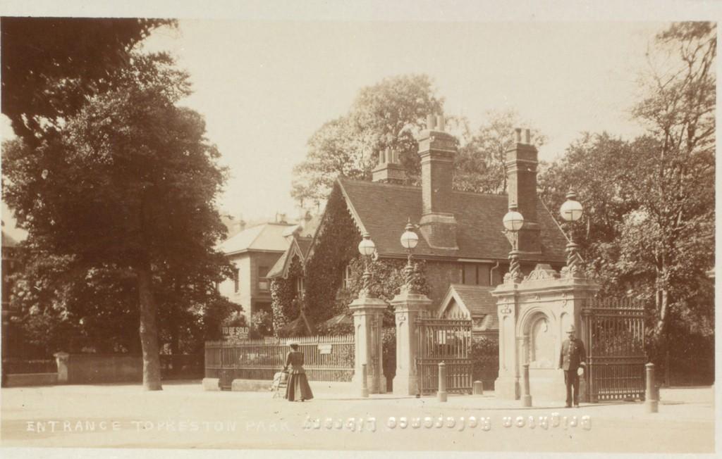 Entrance to preston park. Royal Pavilion & Museums, Brighton & Hove CC BY-SA