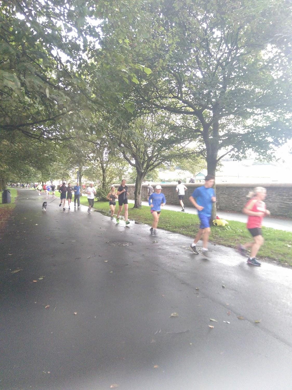 Some runners near the start
