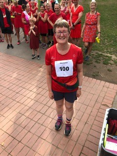 Congratulations to Chris on her 100th parkrun!